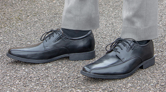 mens shoes that go with black trousers