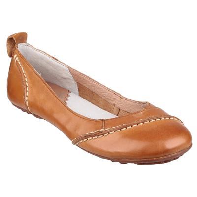 Womens Janessa Slip On Shoe in Tan