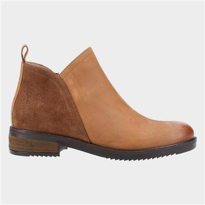 Alexis Womens Ankle Boot in Tan