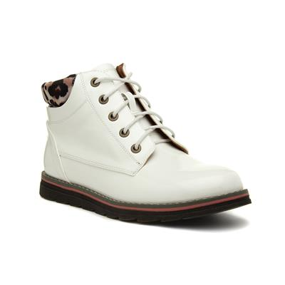 Naomi Womens White Patent Boot