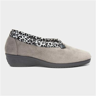 Paloma Womens Grey Leopard Slipper