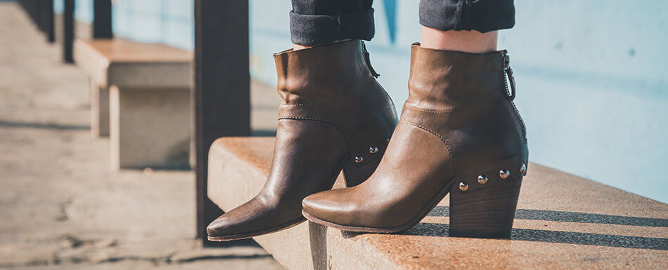How to Wear Women's Boots: Your Style Guide